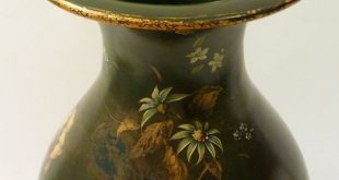 Harlequin Painted Furniture | Harlequin Pair of Papier Mâché Vases by Jennens ...